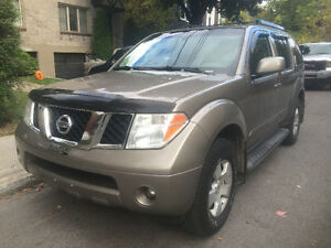 2007 Nissan Pathfinder SE; Très propre; 7000$ (English below)