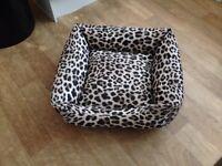 Dog/cat bed