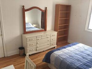 2 GRANDES chambres disponibles - En face METRO