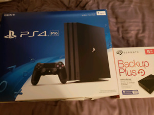 Ps4 pro 1to + disque dur externe 5to