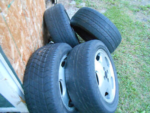 A set of Volkswagen 4 bolt 15 inch wheels. 205/55-15 for $100.00 Cornwall Ontario image 2