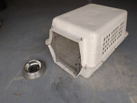 Root 4 Me - M Dog Kennel (Used, Cash Only)