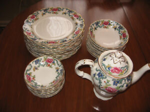 fine china -34 pieces