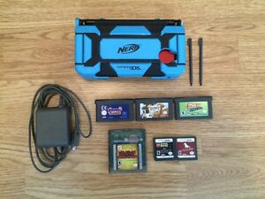 Nintendo DS Lite With Some Games