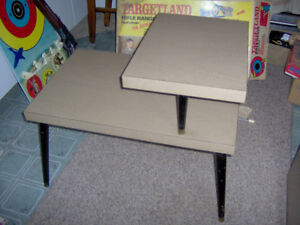 Retro 1950s End Table Very nice clean condition.