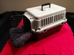 Pet Carrier 20 x 12 x 13, LIKE NEW