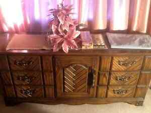 Dresser with 2 mirrors in wetaskiwin