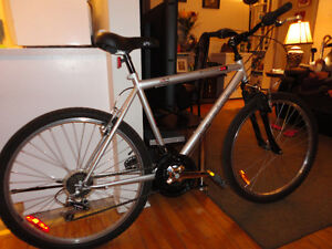 Reliable Commuter Mountain Bike Like New Condition!