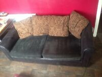 FREE 💚💚💚 3 seater sofa bed