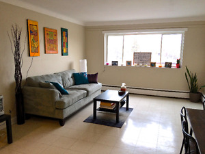 APRIL ! STEPS TO LOBLAWS!SPACIOUS 2 BED,CLOSE TO ALL AMENTITIES!