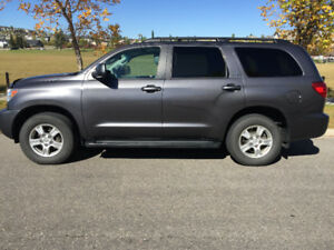 2012 Toyota Sequoia 4WD SR5 Leather, Heated Seats, 3rd Row