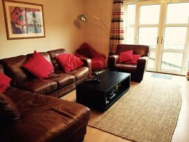 Spacious room available in 3 bedroom house in quiet area
