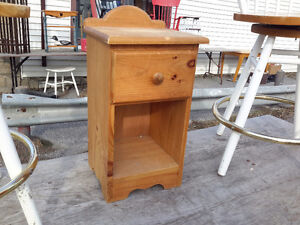 VINTAGE PINE SMALL END TABLE ONLY $24.00  DROP IN