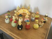 Collectible vintage Eggberts 13 in total