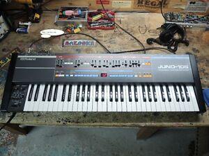 Vintage roland juno-106 analog