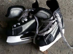 Kids Hockey Skates Size 10