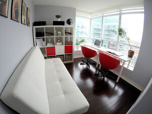 FAUX White LEATHER SOFA COUCH / FUTON BED