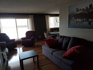 2 Bdrms/2 bthrms ALL UTILITIES CABLE&INTERNET INCL. Indoor pool