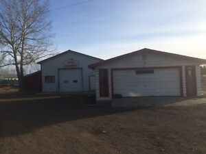 --2000Sq Shop and shed with 7 acres For rent In Okotoks--