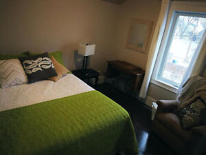 Furnished Short Term Rooms in Cathedral