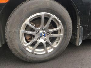Pièces d'auto, pneu