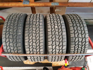 **LIKE NEW** 275/60R20 Cooper AT/w