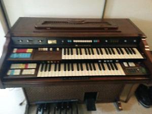 1971 Vintage Hammond C Organ