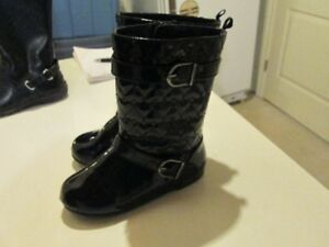 Toddler boots (size 9-12)