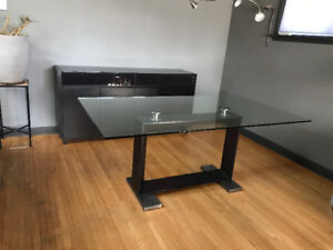 Glass top dining table with pedestal base