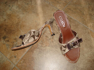 Coach sandals size 6 London Ontario image 1