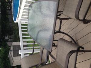 Set de patio en bonne condition