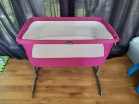 Chicco Next2Me Bedside Baby Crib- pink - Excellent Condition