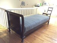 Antique mahogany chaise day bed