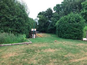 Building lot  or House for sale- Quiet Court - Ancaster - 80x220