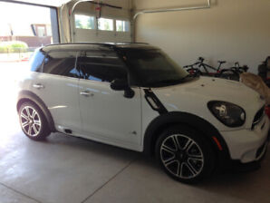 2016 MINI Cooper S  Countryman All4 John Cooper Works Detail Pkg