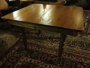 SOLID WOOD DINNING/KITCHEN TABLE PROFESSIONALLY REFINISHED GREAT