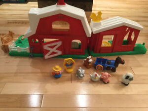 """Fisher Price """"Little People"""" Farm"""