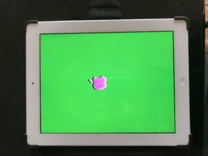 IPAD 2 with Green Screen (needs repair)