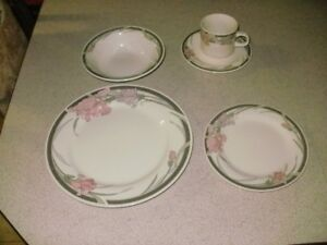 Complete Dinnerware Set For 8