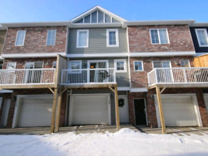 Cozy Chestermere Townhouse for rent