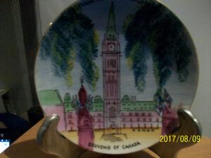Assiettes décoratives du Canada,  porcelaine de qualité,vintage