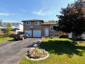 3Br Double Car Garage Detached House For Lease in Keswick South