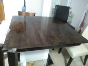 Beautiful Hardwood table includes free delivery