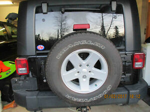 ORIGINAL JEEP  RIMS