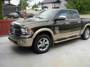 2012 Dodge Laramie Long-Horn Ram 1500 FULLY LOADED, LOW KM