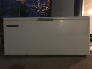25 CUBIC FOOT HOME PROVISIONS FREEZER