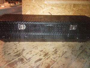 Truck Tool Box - sit in model, chest style