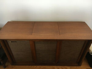 Solid Oak Radio & Record Player Stereo Cabinet