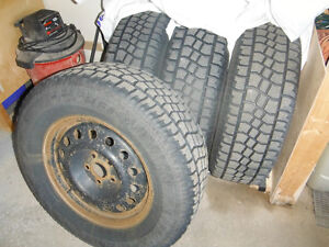 Snow tires with rims 235/70R16