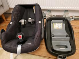 Maxi Cosi Pebble with Family Fix base Rearward car seat birth to 13kg